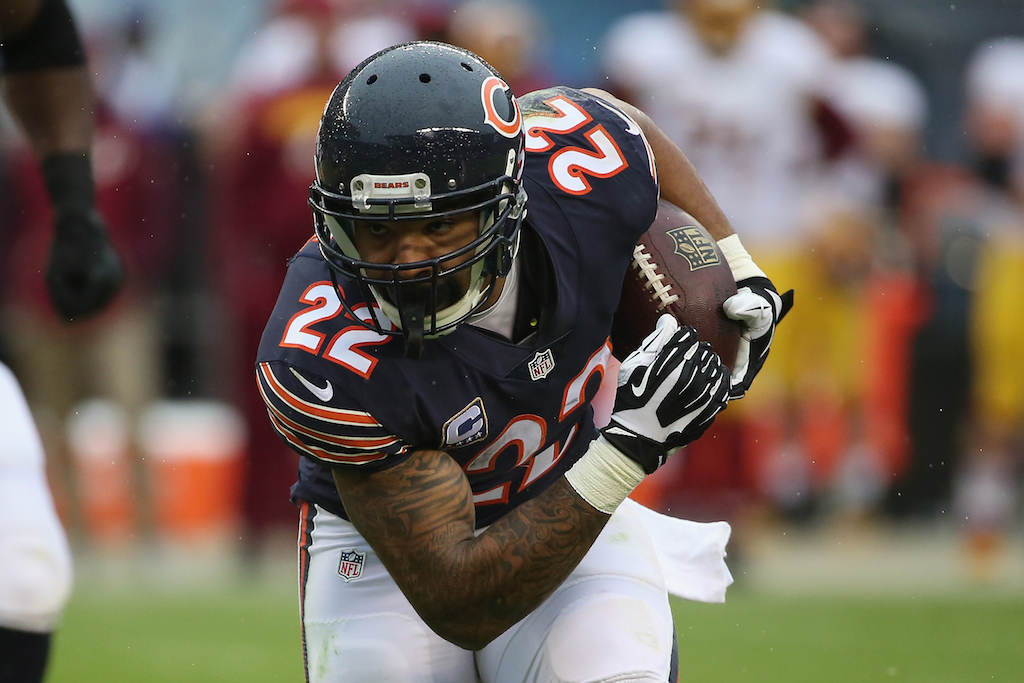 Matt Forte runs the ball against the Redskins
