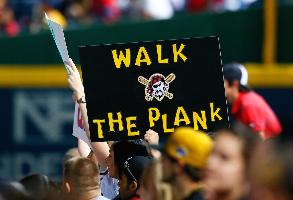 Pittsburgh Pirates fan sign