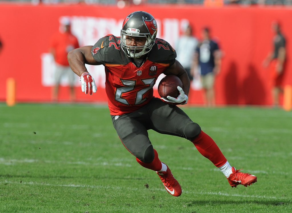 TAMPA, FL - DECEMBER 27: Running back Doug Martin #22 of the Tampa Bay Buccaneers runs with the ball against the Chicago Bears in the first second quarter at Raymond James Stadium on December 27, 2015 in Tampa, Florida. (Photo by Cliff McBride/Getty Images)