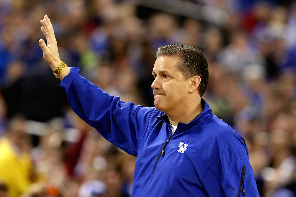 John Calipari acknowledges the crowd