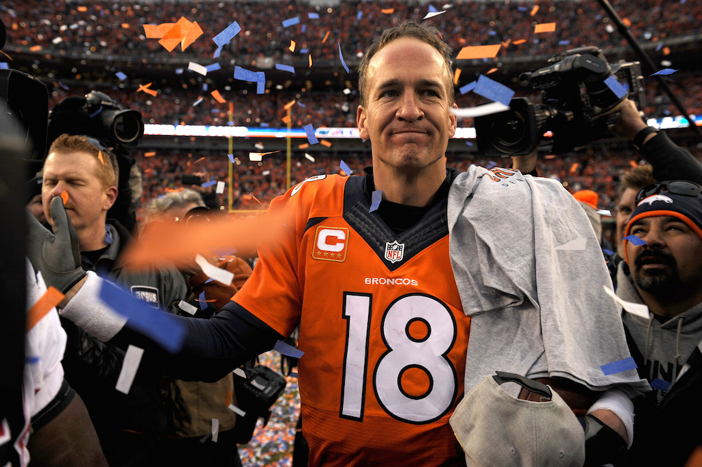 Peyton Manning celebrates a Broncos victory in the AFC Championship game