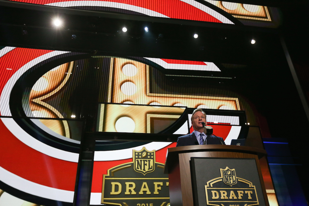 Roger Goodell announces the pick at the 2015 NFL Draft