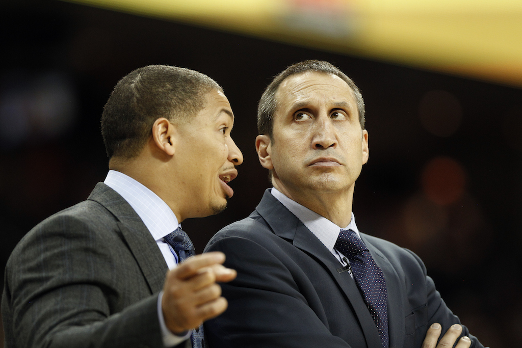 Cleveland Cavaliers Associate Head Coach Tyronn Lue (L) talks with Head Coach David Blatt
