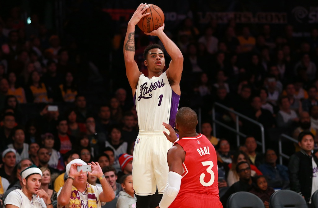 D'Angelo Russell #1 shoot over Chris Paul