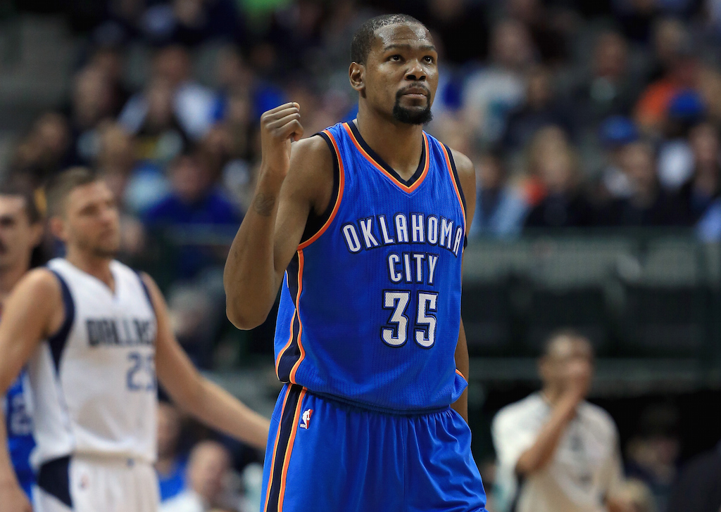 Kevin Durant celebrates scoring against Dallas.