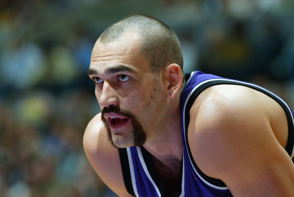 Scot Pollard during a game against the Los Angeles Lakers