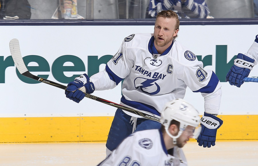 Steven Stamkos warms up on the ice.