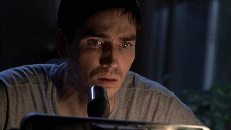 Jim Caviezel acts in Frequency.