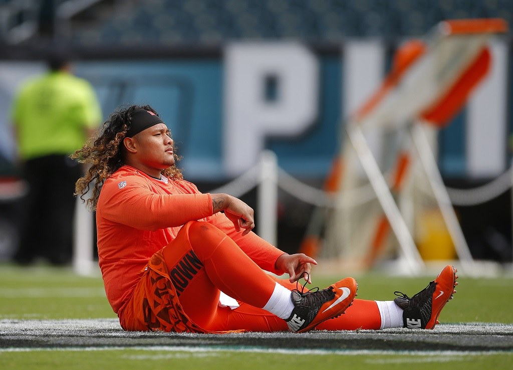 PHILADELPHIA, PA - SEPTEMBER 11: Danny Shelton #55 of the Cleveland Browns during warmups before a game against the Philadelphia Eagles at Lincoln Financial Field on September 11, 2016 in Philadelphia, Pennsylvania. (Photo by Rich Schultz/Getty Images)