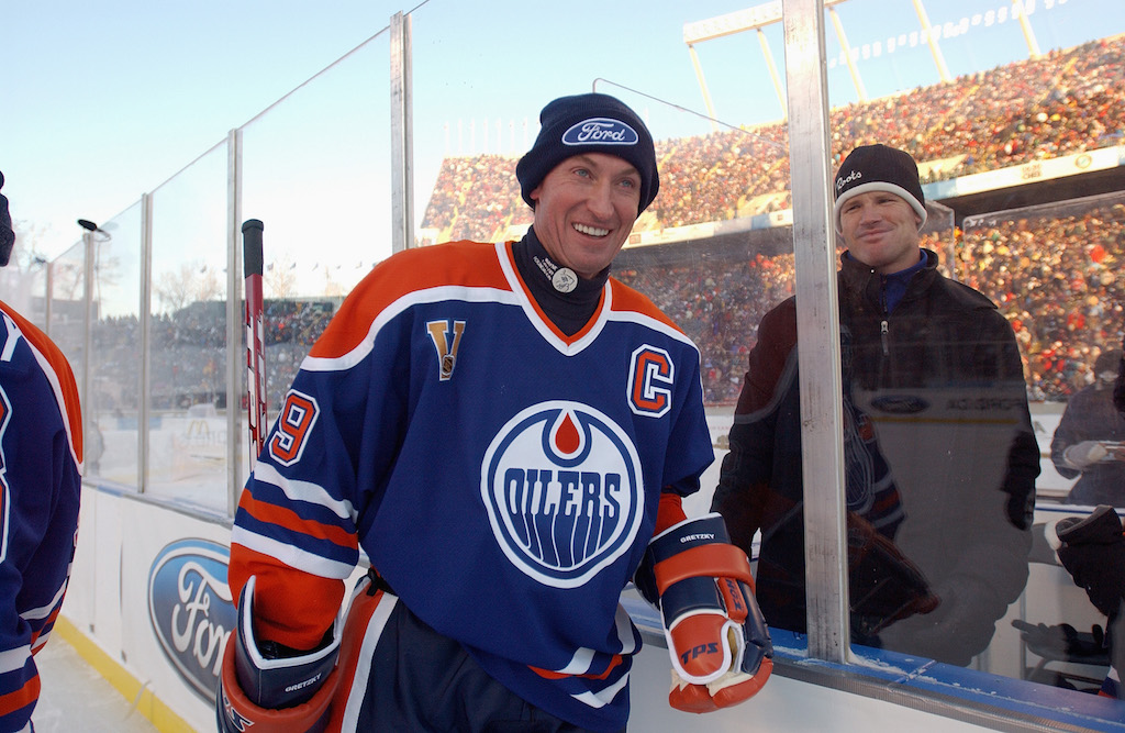 Wayne Gretzky Edmonton Oilers smiles during the Molson Canadien Heritage Classic (Photo by Dave Sandford/Getty Images)