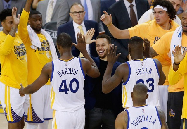 NBA: Why the Warriors Shouldn't Rush Back Stephen Curry