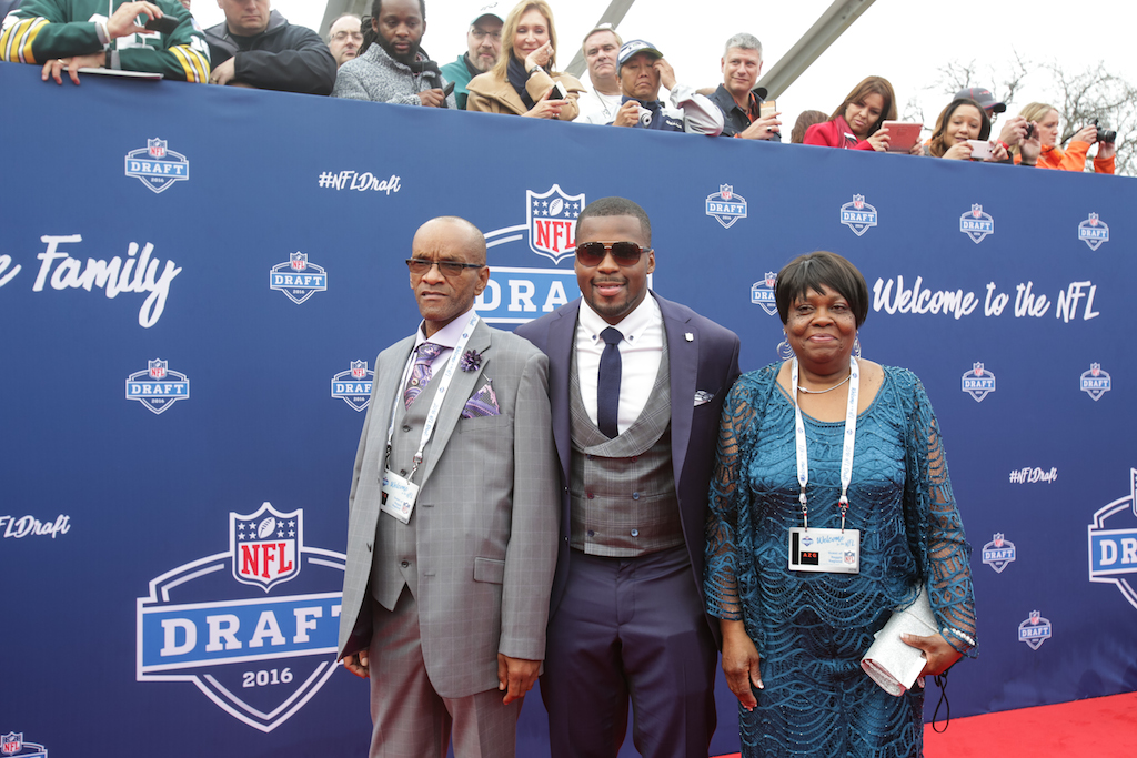 7 Worst Dressed Players From the 2016 NFL Draft