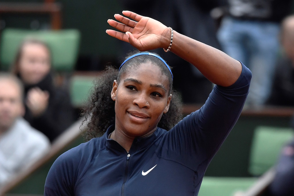 Serena Williams thanks the crowd at the French Open. | PHILIPPE LOPEZ/AFP/Getty Images