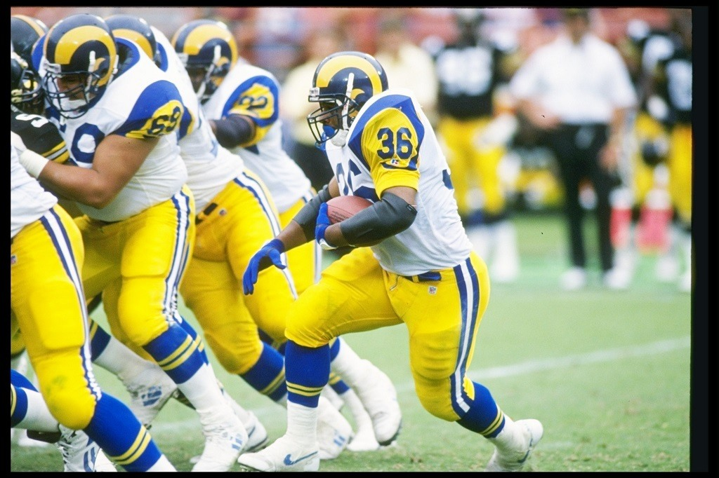 12 Sep 1993: Running back Jerome Bettis of the Los Angeles Rams moves the ball during a game against the Pittsburgh Steelers at Anaheim Stadium in Anaheim, California. The Rams won the game, 27-0. Mandatory Credit: Stephen Dunn /Allsport