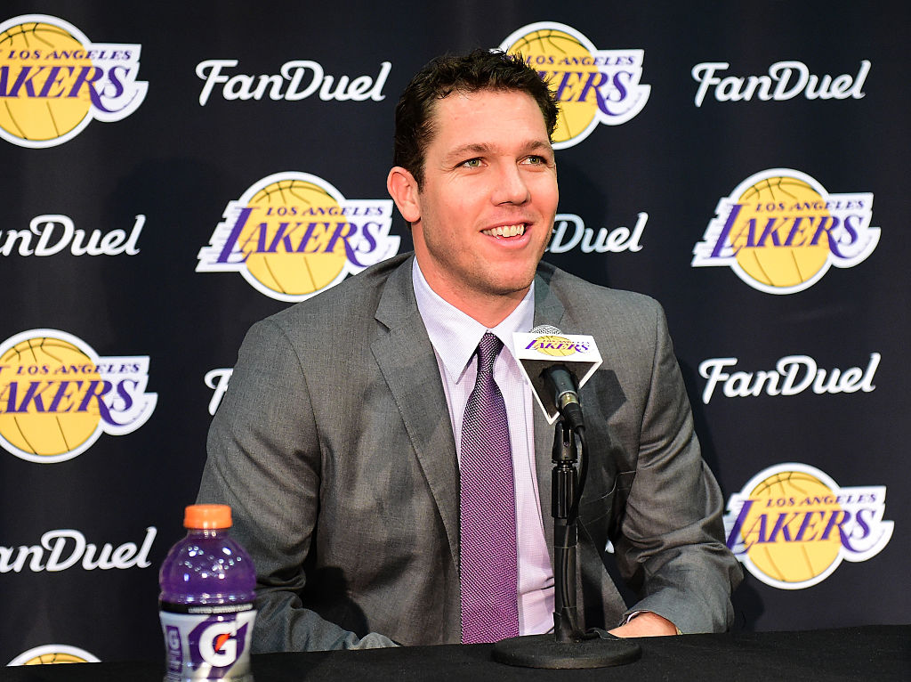 NBA: What the Los Angeles Lakers Need to Get Back in Contention