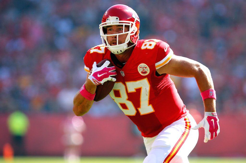 5 Fantasy Tight Ends With Favorable Fantasy Matchups in Week One of Fantasy Football