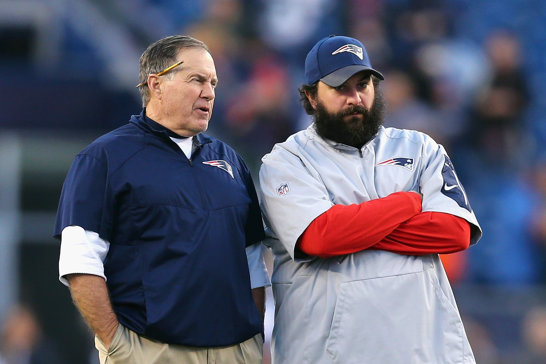 Patriots head coach Bill Belichick of the New England Patriots talks with defensive coordinator Matt Patricia.