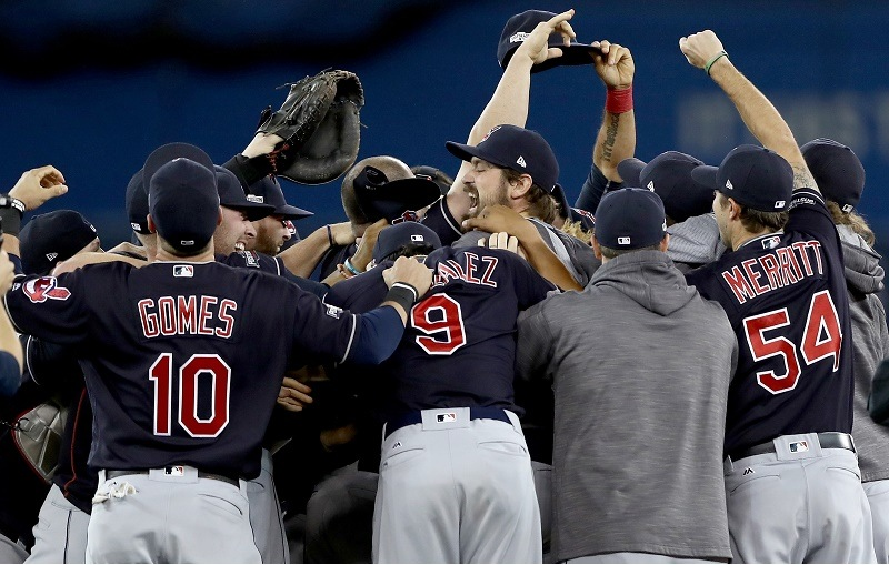 The Cleveland Indians celebrate after defeating the Toronto Blue Jays in the ALCS in 2016.