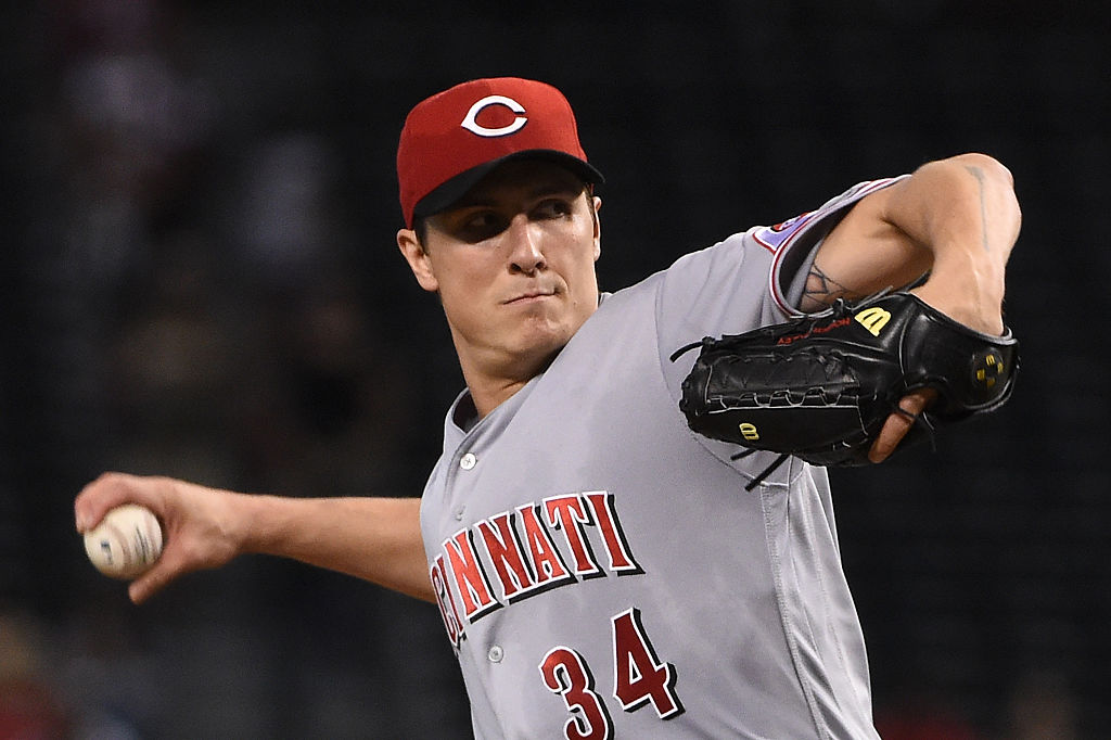 Homer Bailey of the Cincinnati Reds delivers a first-inning pitch against the Arizona Diamondbacks.