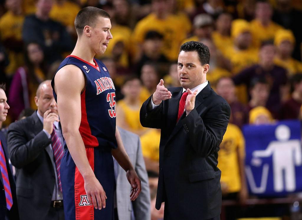 Sean Miller coaches his Arizona Wildcats team.