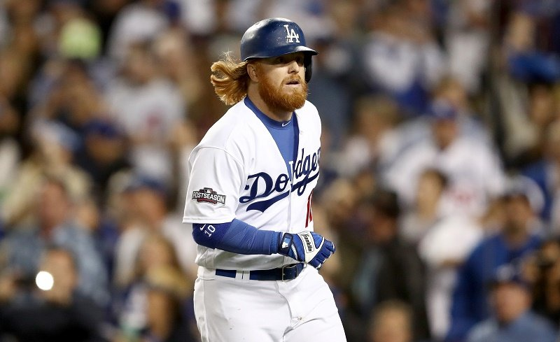 Justin Turner jogs toward the base.