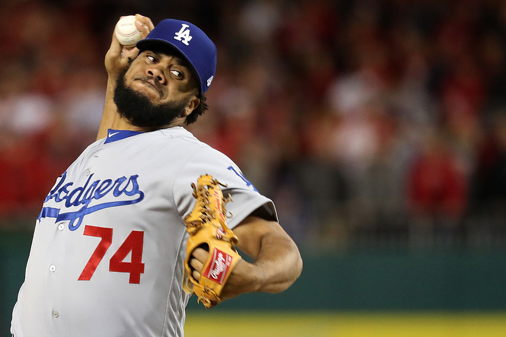 Kenley Jansen of the Los Angeles Dodgers works against the Washington Nationals.