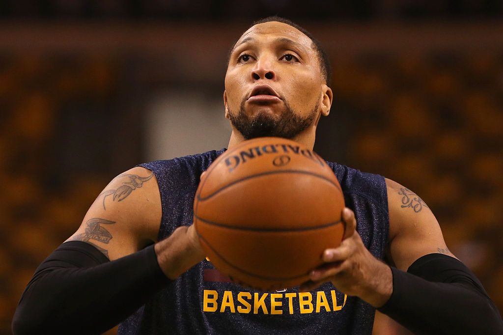 Shawn Marion of the Cleveland Cavaliers shoots a free throw.