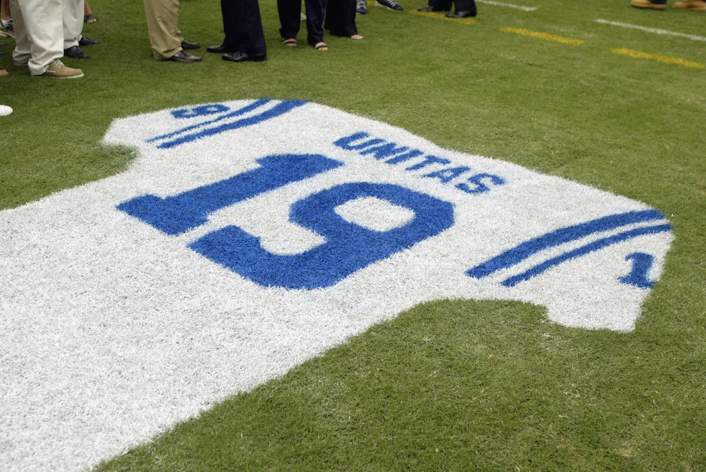 A tribute to Hall of Fame quarterback Johnny Unitas | Scott Halleran/Getty Images)