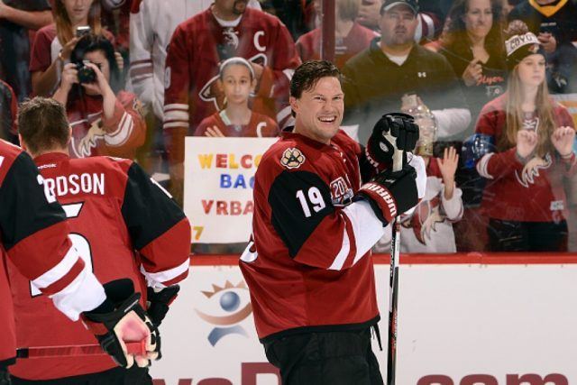 Shane Doan of the Arizona Coyotes smiles as he takes the ice on opening night | Norm Hall/NHLI via Getty Images