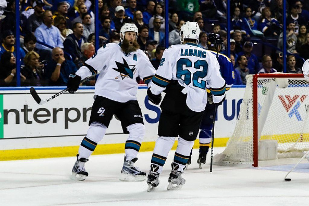 San Jose Sharks center Joe Thornton (L) celebrates with San Jose Sharks right wing Kevin Labanc on his first goal in the NHL | Tim Spyers/Icon Sportswire via Getty Images