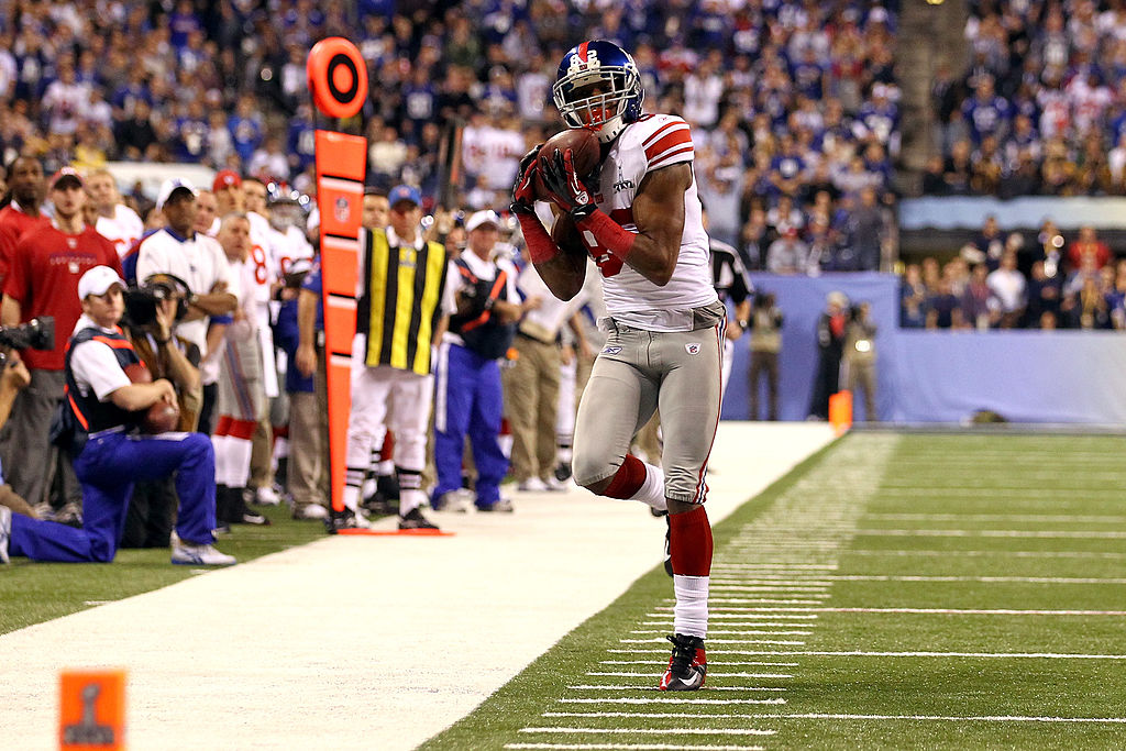 Mario Manningham of the New York Giants attempts to make a catch.
