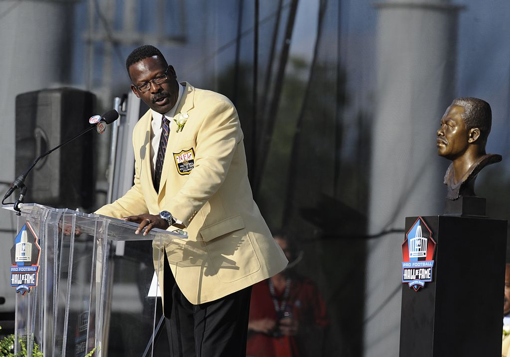 Andre Tippett of the New England Patriots addresses fans during the Class of 2008 Pro Football Hall of Fame Enshrinement.