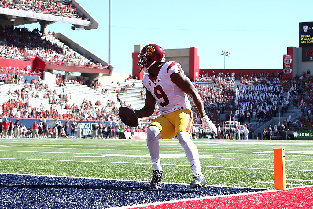 Wide receiver JuJu Smith-Schuster of the USC Trojans