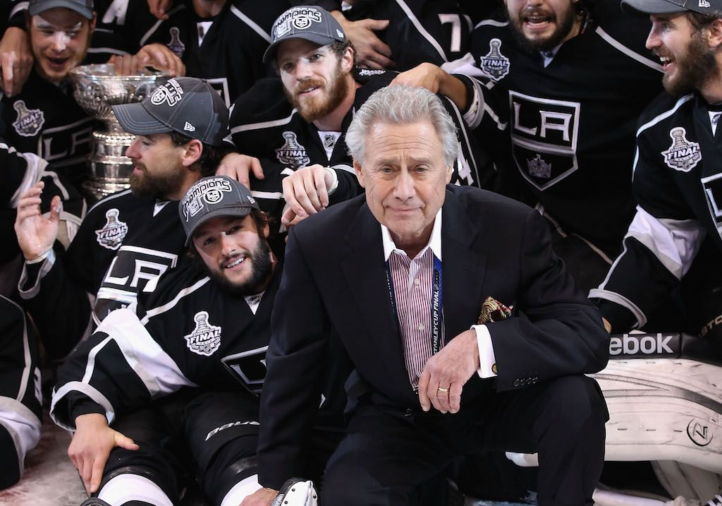 Philip Anschutz poses with the Los Angeles Kings.
