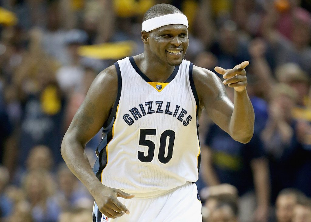 Zach Randolph points at his teammates.