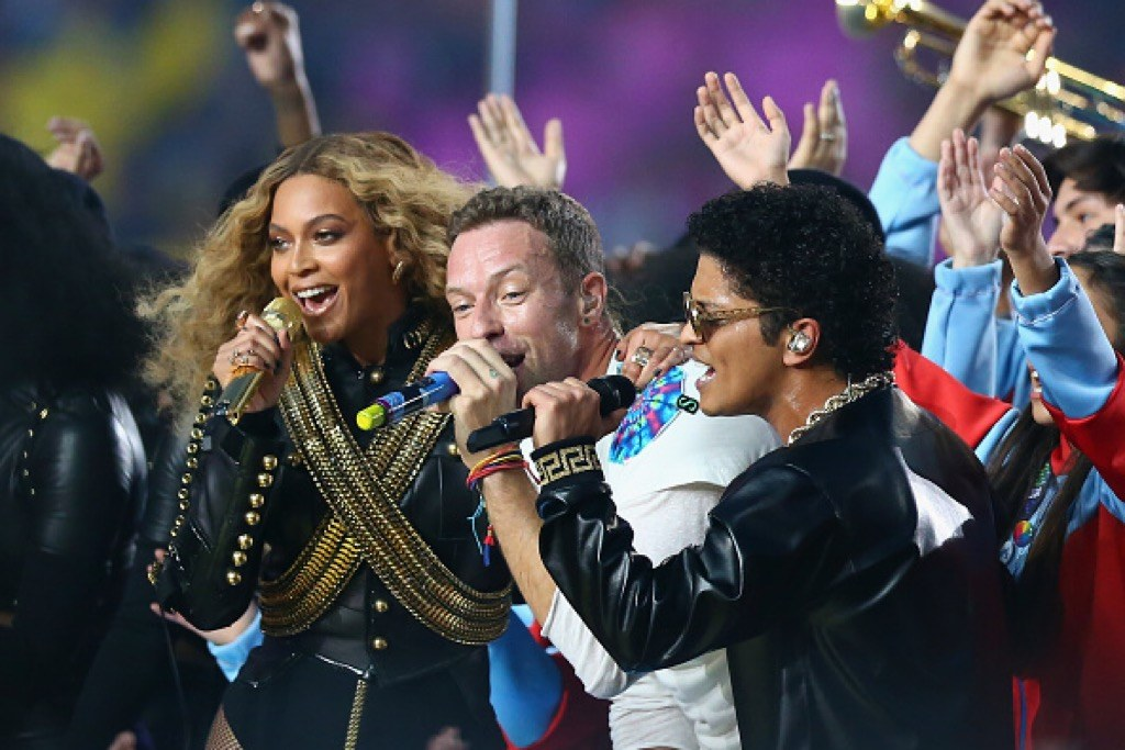 Beyonc?e, Chris Martin of Coldplay and Bruno Mars perform during the Pepsi Super Bowl 50 Halftime Show at Levi's Stadium on February 7, 2016 in Santa Clara, California. (Photo by Ronald Martinez/Getty Images)