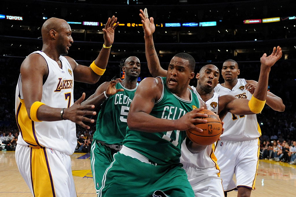 Boston Celtics player Glen Davis prepares to shoot.
