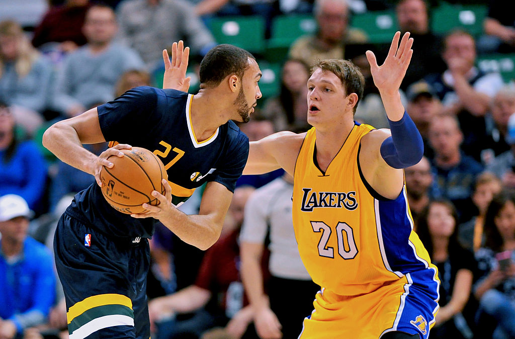 Rudy Gobert goes to work against the Los Angeles Lakers.