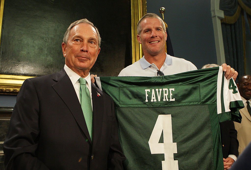 New York Jets Quarterback Brett Favre and New York City Mayor Michael Bloomberg pose for a photo.
