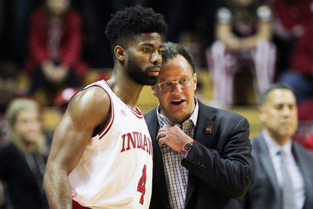 Tom Crean chats with one of his players.