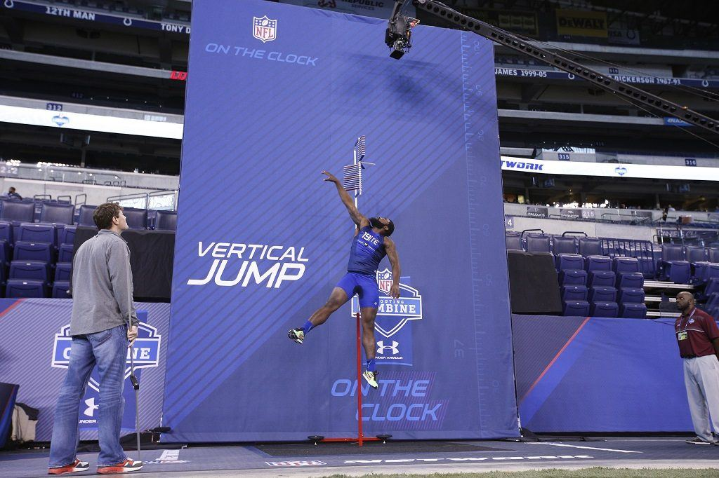 Tight end Clive Walford puts his best hops on display.