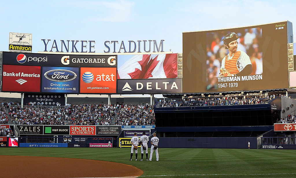 The Yankees honor Thurman Munson at a game.