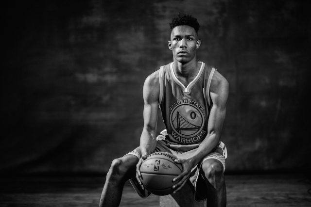 Patrick McCaw poses at the rookie photoshoot.