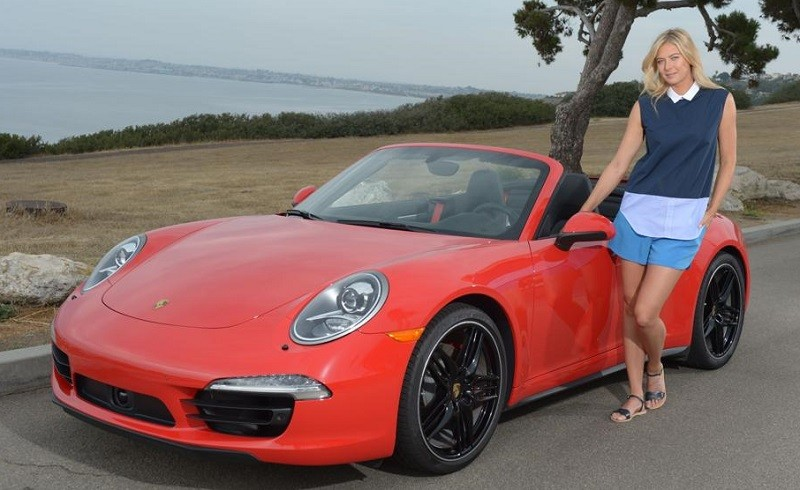 Picture of Maria Sharapova and a red Porsche 911 S cabriolet