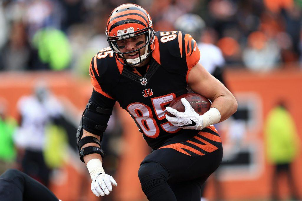Tyler Eifert catches a pass against the Baltimore Ravens.