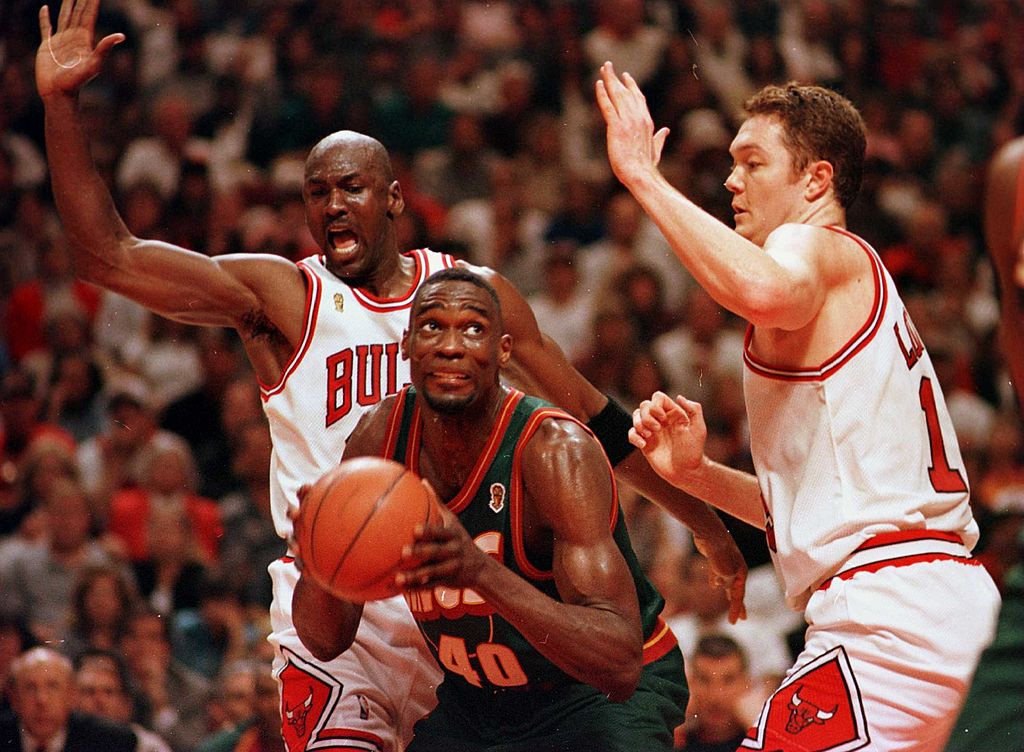 The 1996 Chicago Bulls fight for the NBA Championship.