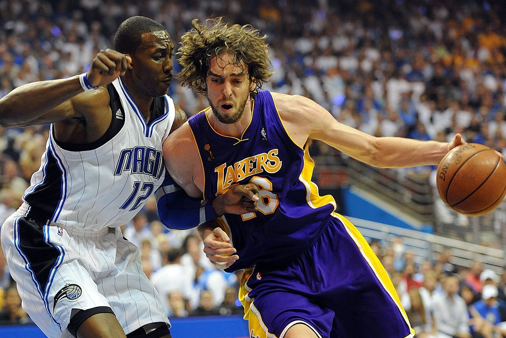 Pau Gasol goes to work against Dwight Howard.
