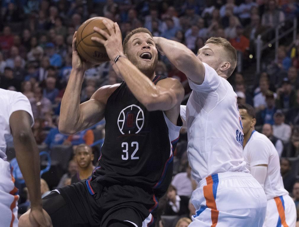 Blake Griffin battles to the bucket.