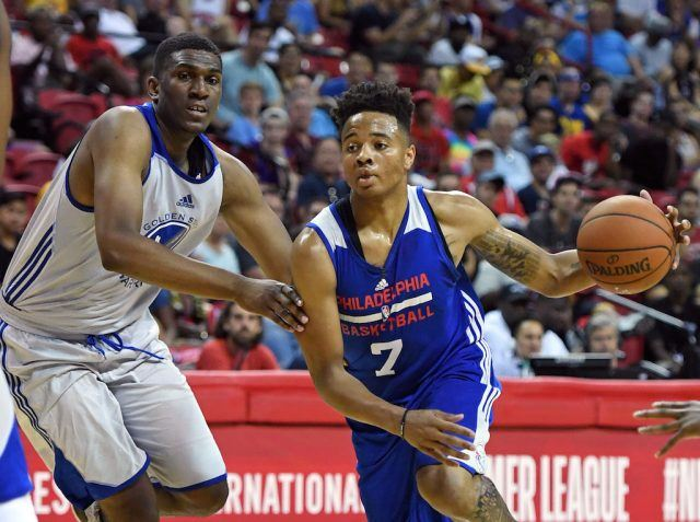 Markelle Fultz drives to the bucket.