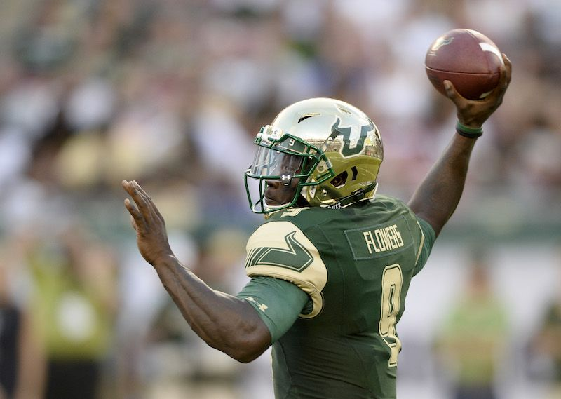 Quarterback Quinton Flowers of the South Florida Bulls looks to pass.